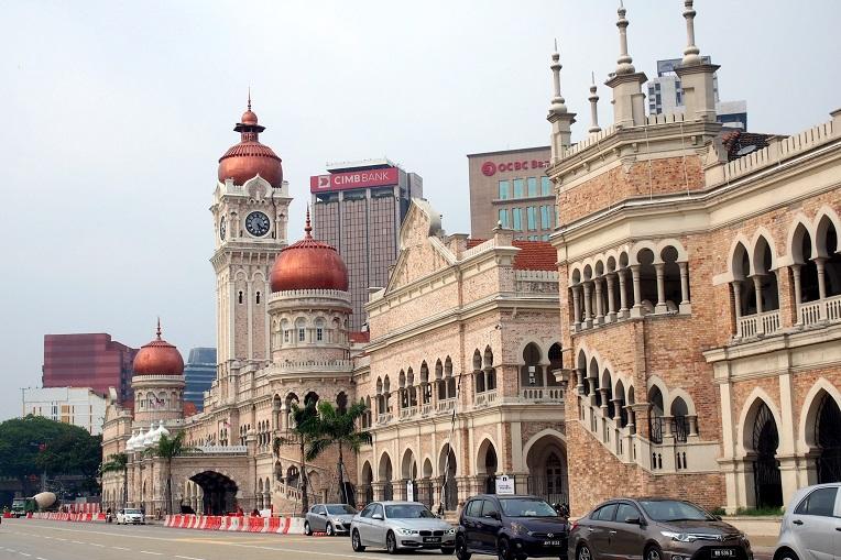 Sultan Abdul Samad Building, opposite Merdeka Square. -pic from livelifelah.com