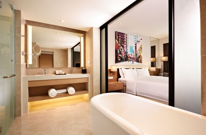 superior-suite-bathroom
