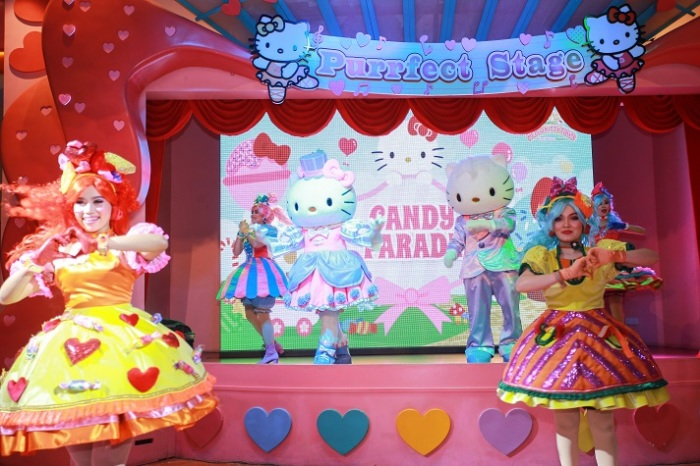 The latest show in SANRIO HELLO KITTY TOWN, The Candy Parade