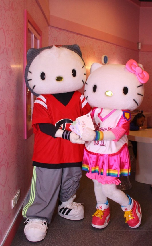 L-R -Dear Daniel, Hello Kitty _Hello Kitty Hello Post_image 3-718x1165