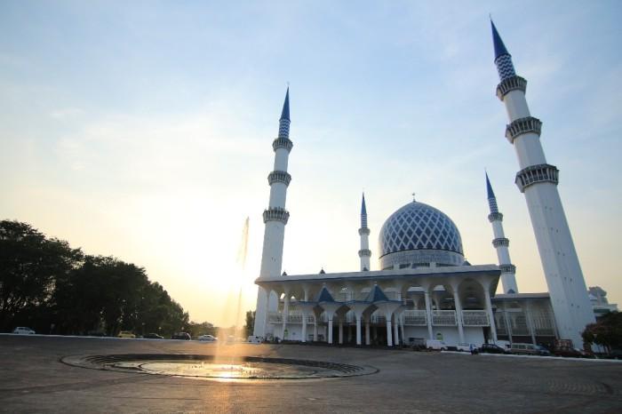 Masjid Sultan Salehudin Abdul Aziz Shah-992x661