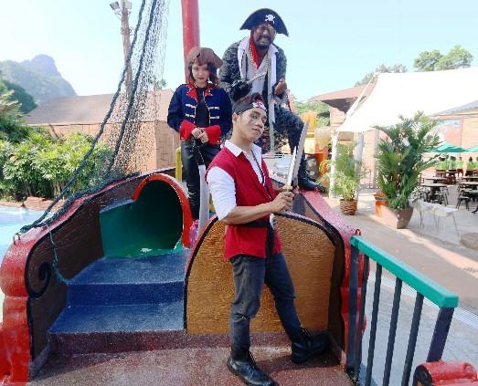LWOT - Pirates Adventure Holidays - Image D-523x423