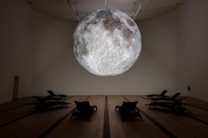 Museum of the Moon (2019), Luke Jerram-1365x910