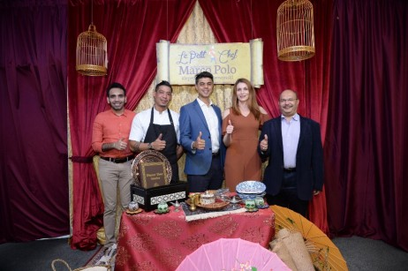Management of Marco Polo with the blogger and VIP (from the left � Arvin Randahwa, Chef Steve Ariffi-912x607