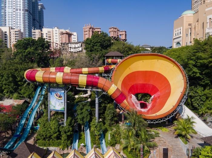 Water Park - Vuvuzela_copy_3999x2997_copy_1599x1198